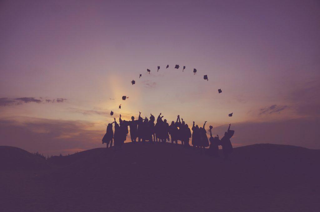 Relacionamento com universidades